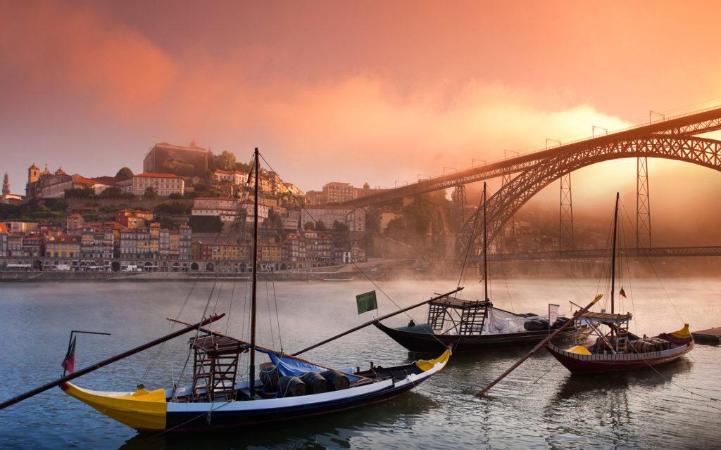 Landscape in Douro River, Porto.